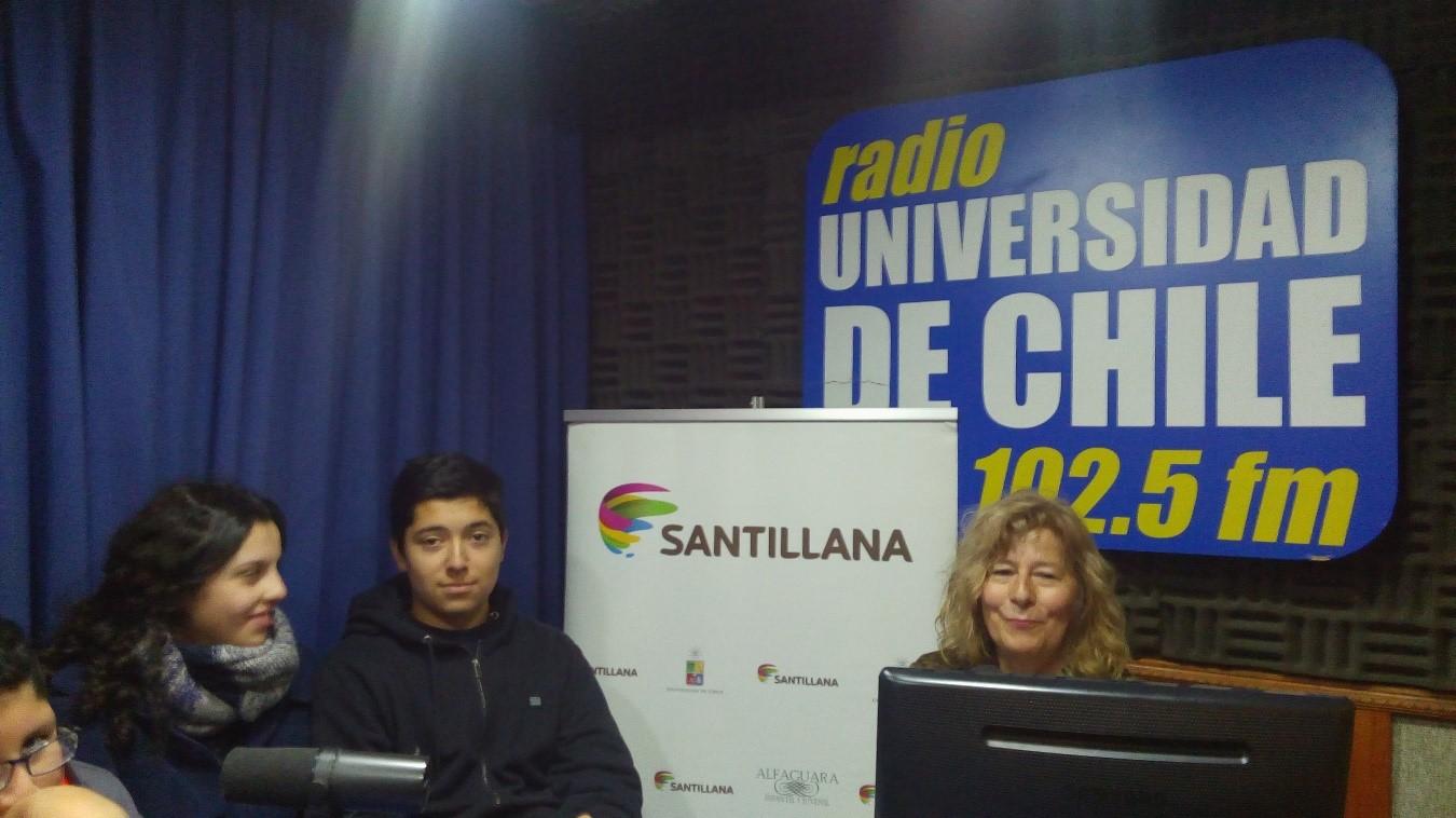 ESTUDIANTES LBT ENTREVISTAN Y SON ENTREVISTADOS EN LA RADIO  DE LA UNIVERSIDAD DE CHILE