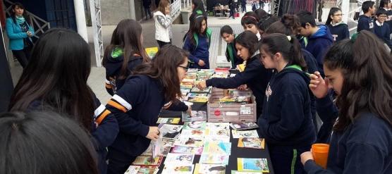 LICEO BICENTENARIO DE TALAGANTE CELEBRA EL DÍA DEL LIBRO