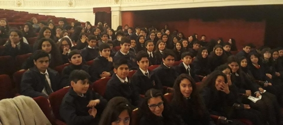 ESTUDIANTES DEL LBT ASISTEN A OPERA FÍGARO EN EL TEATRO MUNICIPAL DE SANTIAGO