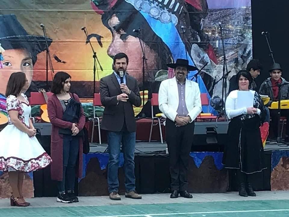 LICEO BICENTENARIO DE TALAGANTE REALIZA SU TRADICIONAL FIESTA DE LA CHILENIDAD