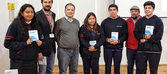 ESTUDIANTES DE 4º MEDIO DEL LBT PUBLICAN RELATOS EN EL LIBRO EL DEBER DE RECORDAR, DERECHOS HUMANOS